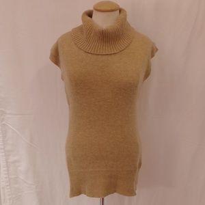 BCBG Angora Blend Oatmeal Sweater EUC- Sz. Sm